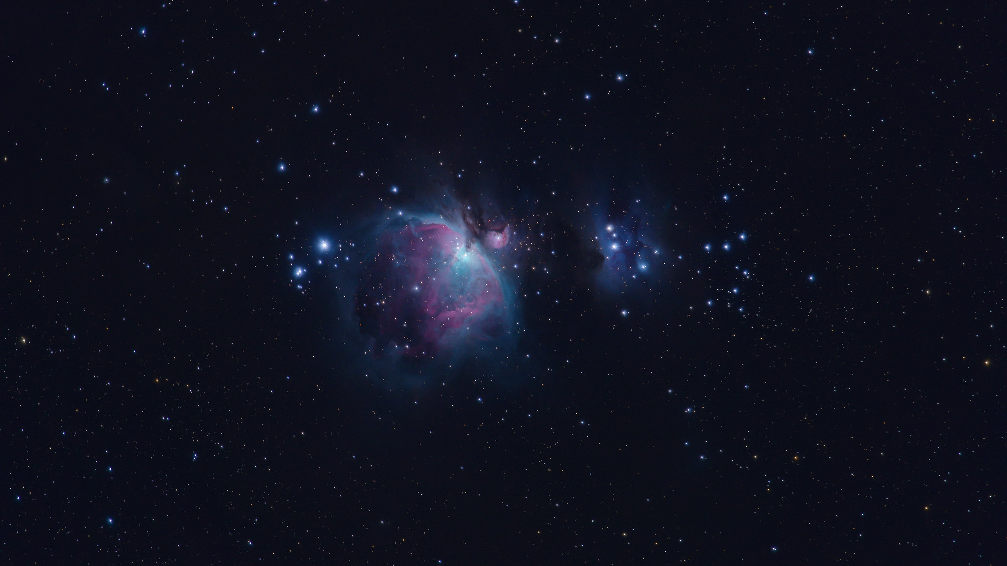 The Orion Nebula in the sky above Lake Sonoma desktop wallpaper 4k