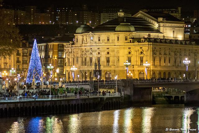 Teatro Arriaga y Puente del Arenal, Navidad en Bilbao por El Guisante Verde Project