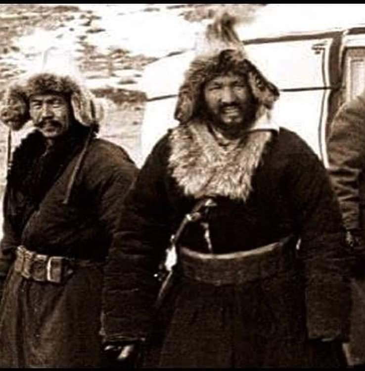 Doğu Türkistan'ın bağımsızlığı için mücadele etmiş olan Türk lider Osman  BATUR