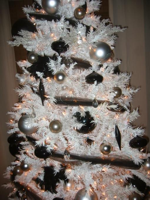 rbol navideo blanco y negro