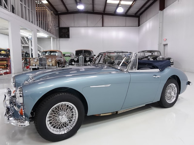 Austin-Healey 3000 MkIII 1960s British classic sports car