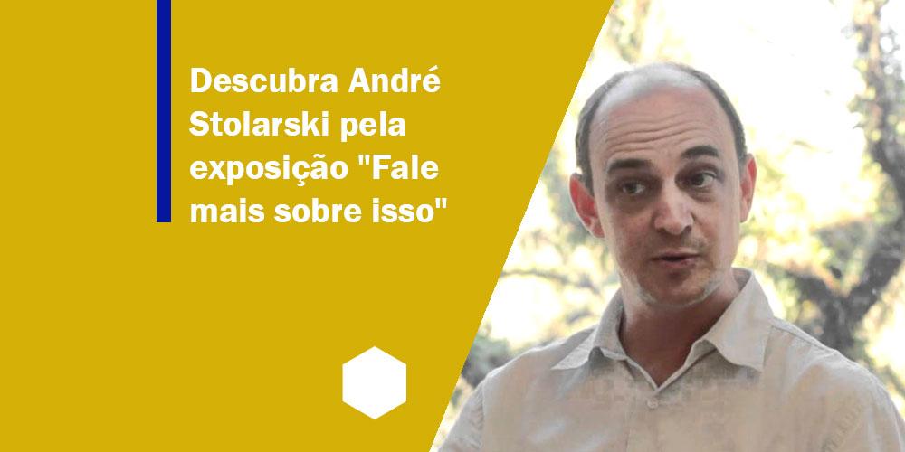 Imagem com fundo amarelo acompanhado do título do texto. Também há a imagem de André - um homem de pele branco e calvo.