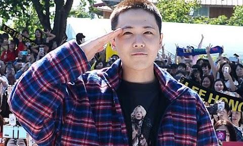 """""""Hablemos de doramas"""" Se reporta que Lee Hong Gi se enlistó al servicio militar obligatorio y fans fueron a despedirlo"""