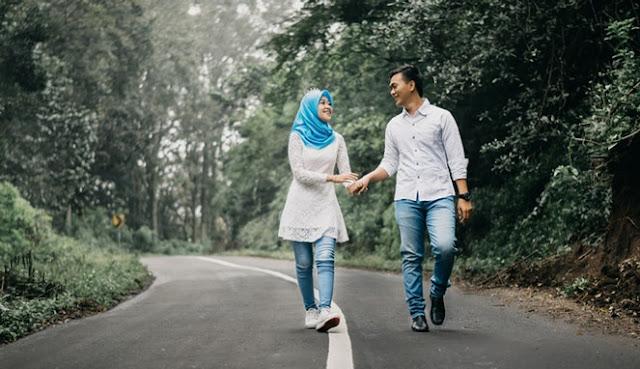 7 Keajaiban Doa Istri yang Luar Biasa Untuk Kesuksesan Suami