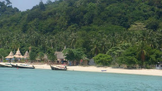 One of the many beaches of Lanta Island