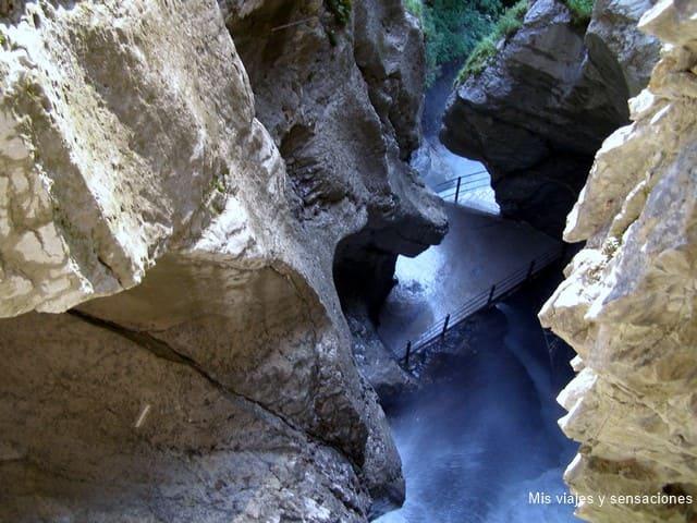 Cascadas de Trummelbach, Suiza