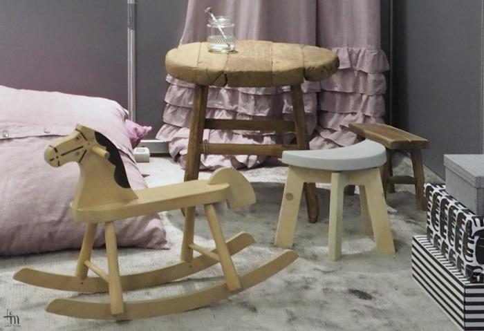 puuhevonen, vanha puutöytä, pellavatyynyt - rakenna ja sisustamessut
