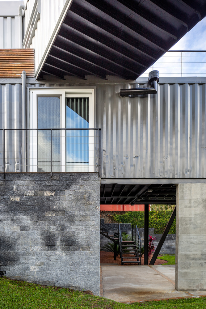Casa Conteiner RD - 350 sqm Two Story Shipping Container Home, Brazil 27