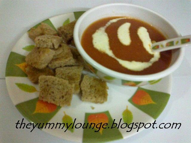 Croutons with Tomato Soup
