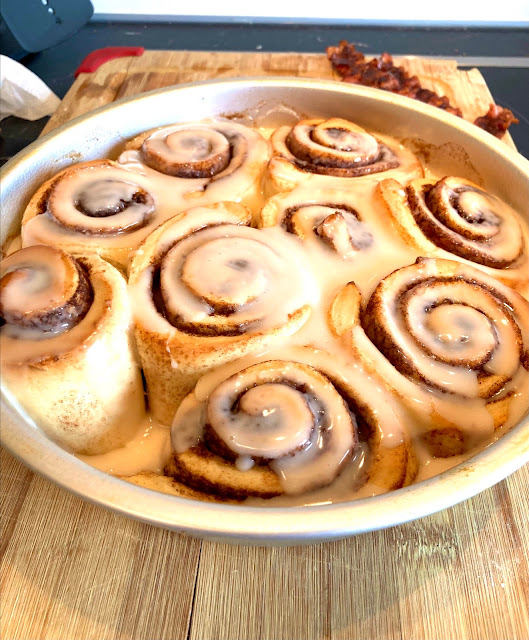 Quick Cinnamon Rolls - Lauren@Mizhelenscountrycottage