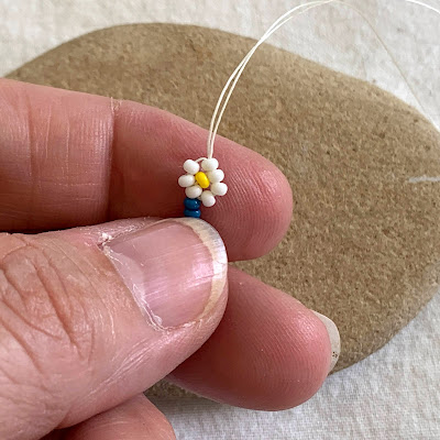 Beaded Daisy Chain Tutorial