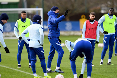 Liverpool midfielder visits Chelsea training ground ahead of final transfer decision