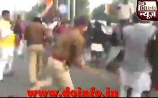 hyderabad encounter|hyderabad rep kand|up police lathi charge|lathi charge today