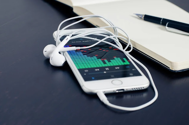 6 Best Music Apps To Download Right Now