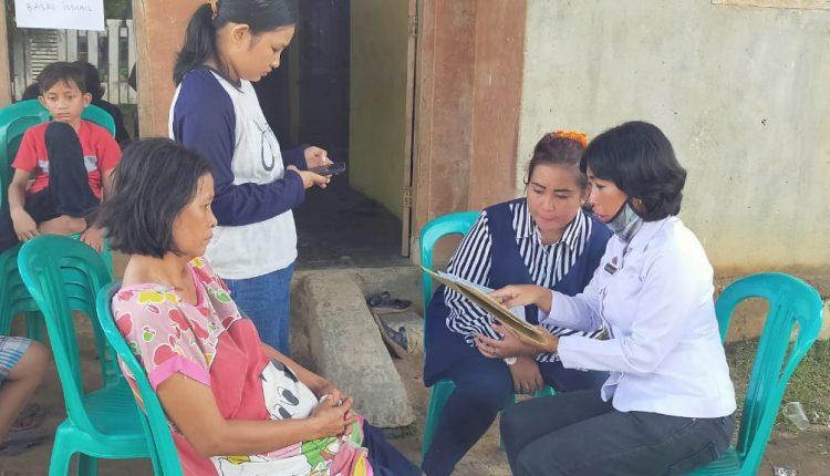 Sekretaris Disdukcapil Tuba Berikan Langsung Akta Kematian Dua Bocah Hanyut di Sungai Tulangbawang