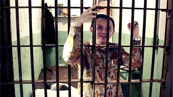 Cerita Ahmad Dhani soal Ruang Penjara Ahok yang Dipenuhi Kotoran Manusia