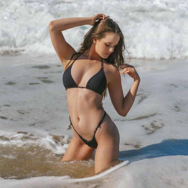 Isabella Ardley In Black bikini Social Media Clicks