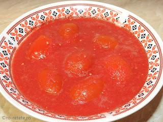 Rosii intregi in suc propriu reteta conserva naturala de casa pentru iarna cu roșii la borcan fierte in sos bulion tomat retete,