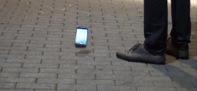 سقوط الهاتف