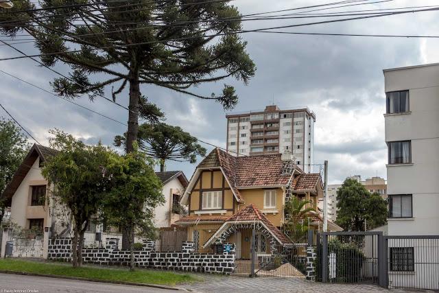 Uma casa na General Carneiro
