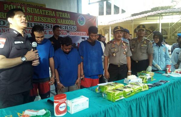 Pengungkapan tersangka sabu 9 kg di Sumut.