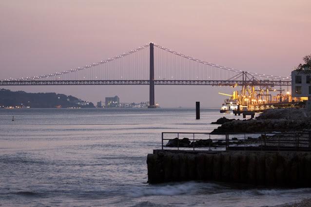 Ponte 25 Aprile al tramonto-Lisbona