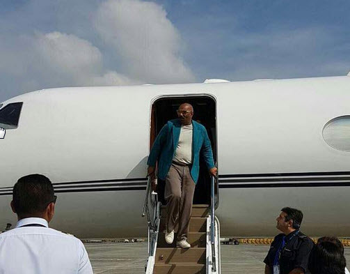 Famous american television personality steve harvey arrived in manila