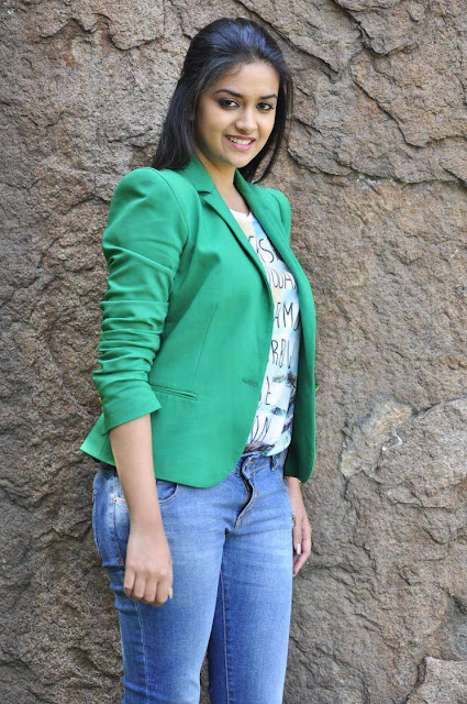 Keerthi Suresh Stills At Nenu Sailaja Movie Interview
