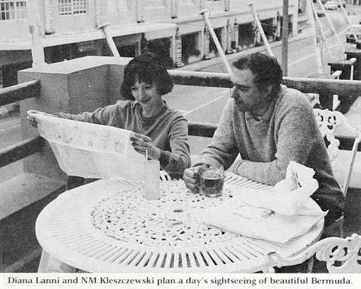 Diana Lanni et NM Kleszczewski lors de l'Open d'échecs des Bermudes en 1985