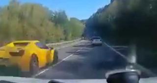 Φριχτό τροχαίο με Ferrari, Porsche και Mercedes στη Σλοβακία