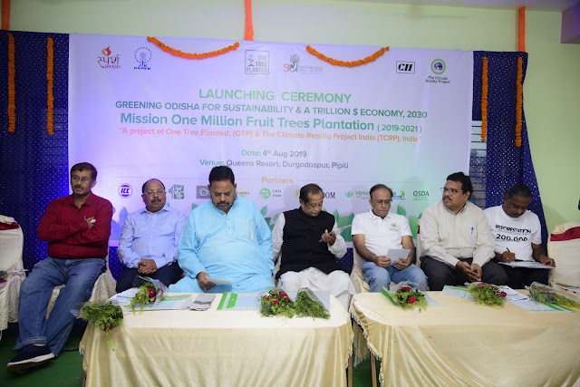 Making Odisha green again -planting fruit trees to help small farmers