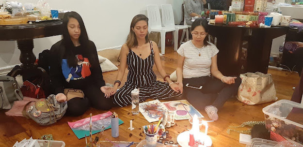 We begin the art therapy session with a brief meditation to set our intentions.