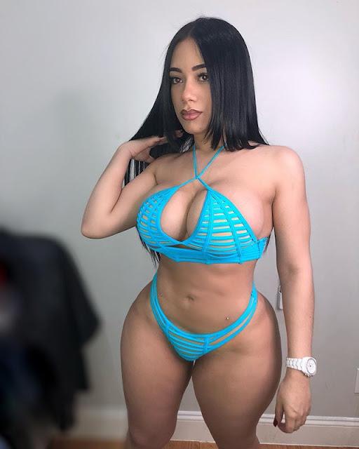 Alejandra Mercedes Hot & Sexy Pics