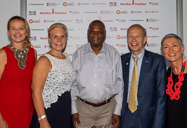 Princess Mabel attended the final day of the 22nd International AIDS Conference in Amsterdam. Princess presented a awards to Dr Zachary Kwena