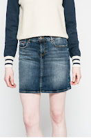 fuste-din-colectia-tommy-jeans-13