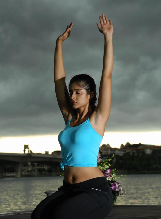 Ileana Hot Yoga Pose Stills In Kick Movie  Tollywood Cast-9904