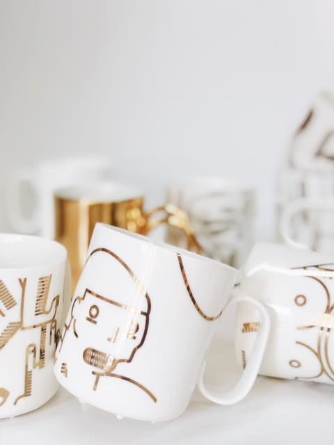 Ceramika ze złotym wykończeniemi