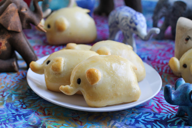 Food Lust People Love: Children and adults alike will love these soft ham and cheese elephant rolls. They are cute AND tasty! I mean really. Look at their golden ears and currant eyes!