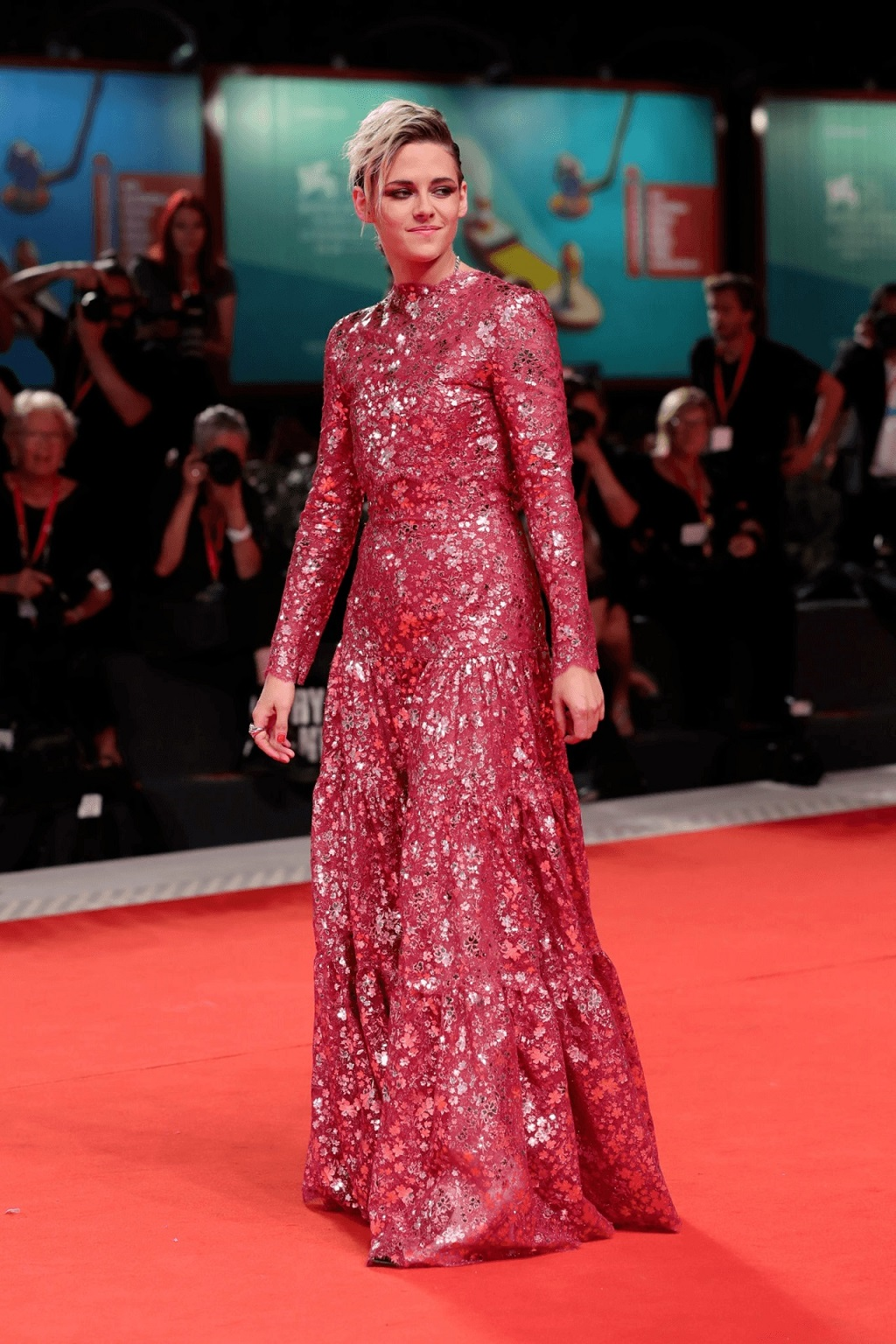Kristen Stewart dazzles in Chanel Couture at the 2019 Venice Film Festival 'Seberg' Premiere