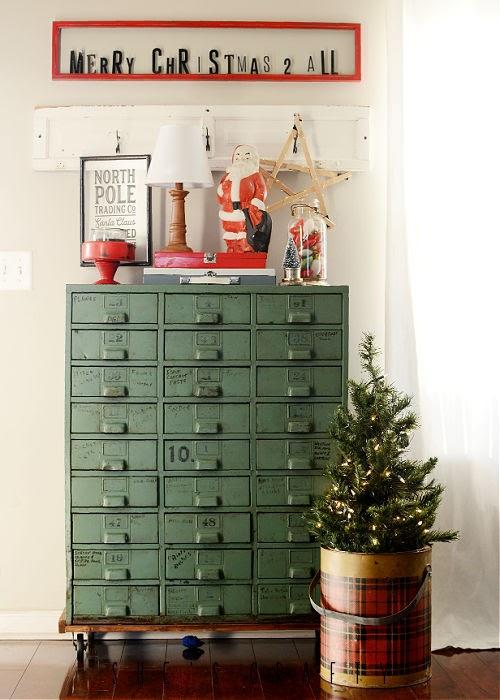 How to use long skinny thrift store frame - Christmas vignette