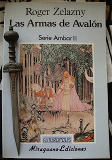 Portada del libro Las armas de Avalon, de Roger Zelazny