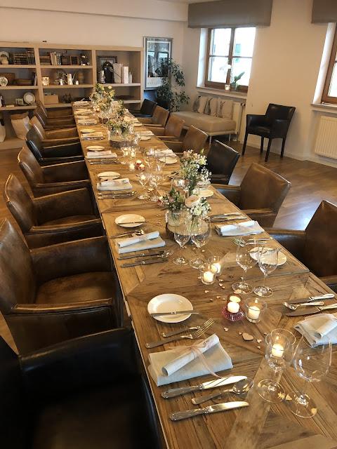 Veranstaltungsraum KARO, Hochzeitstafel, Vintage Hochzeit, kleine Hochzeit, Standesamt, 4Eck Restaurant, Garmisch-Partenkirchen, 4 weddings & events, Hochzeitsplanung Uschi Glas, heiraten in Garmisch