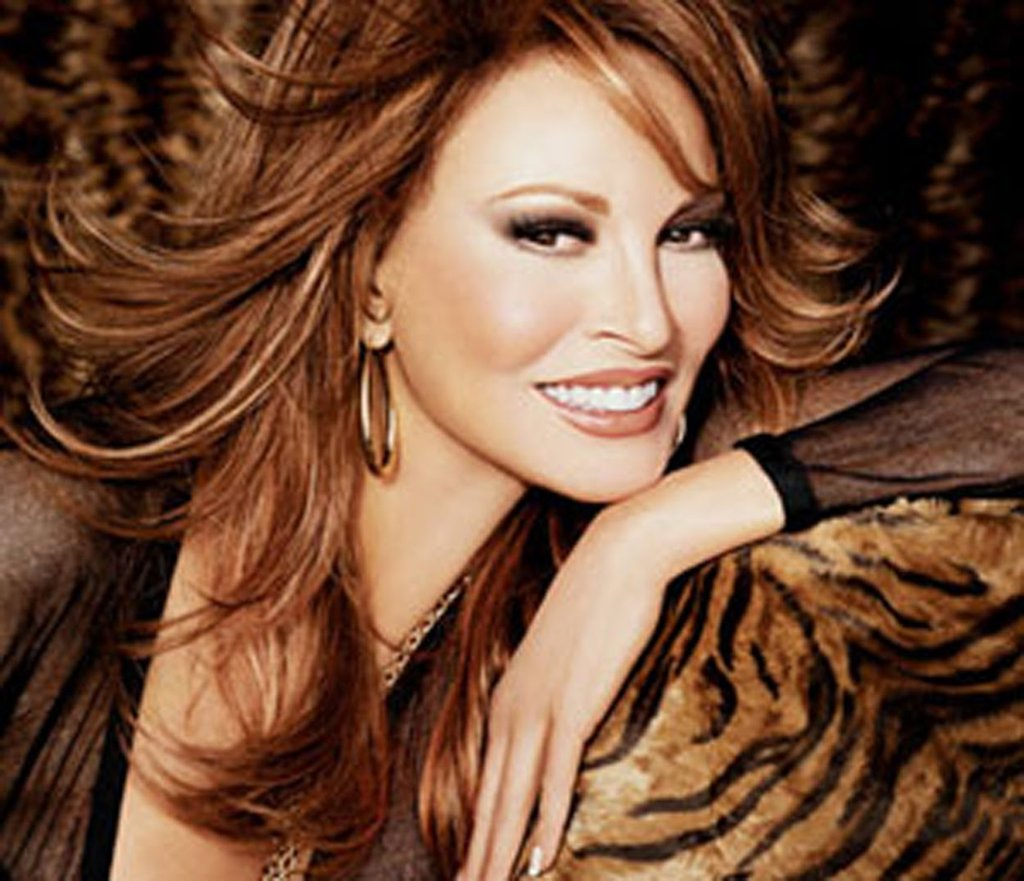 Raquel Welch Nude Images