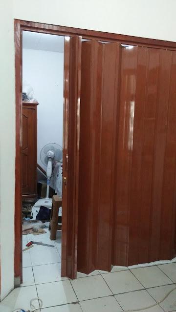 PEMASANGAN PINTU LIPAT PVC PENYEKAT RUANGAN DI BOGOR . Tag :  pintu lipat besi plat, pintu lipat besi holo, harga pintu lipat minimalis, model pintu lipat, pintu lipat dorong, pintu lipat minimalis, pintu lipat besi, pintu lipat garasi, penyekat ruangan murah, harga pembatas ruangan dari plastik, lemari penyekat ruangan, penyekat ruangan minimalis modern, penyekat ruangan minimalis dari kayu, penyekat ruangan dari kayu, penyekat ruangan dari gypsum, penyekat ruangan ikea,