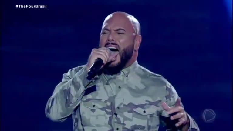 The Four Brasil: vocalista da Banda dos Seguranças do Metrô canta Iron Maiden