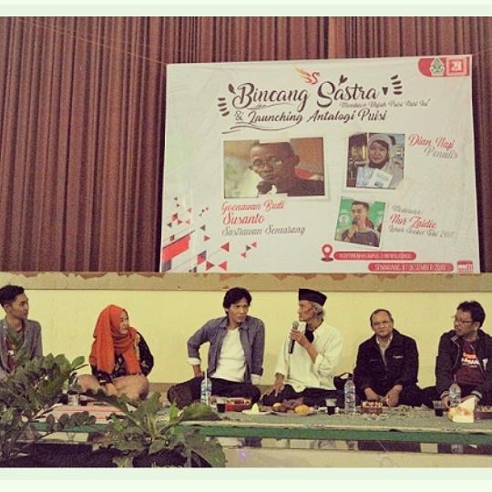 Bincang Sastra Di UIN Walisongo Semarang
