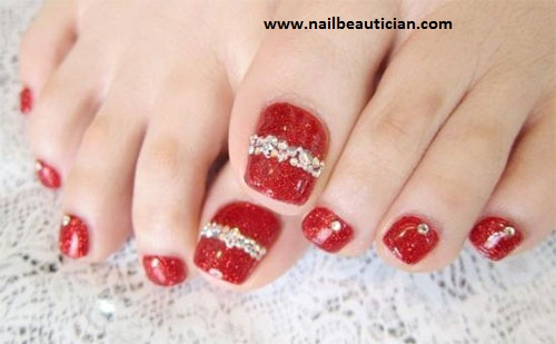 Hot toe nail design for winters