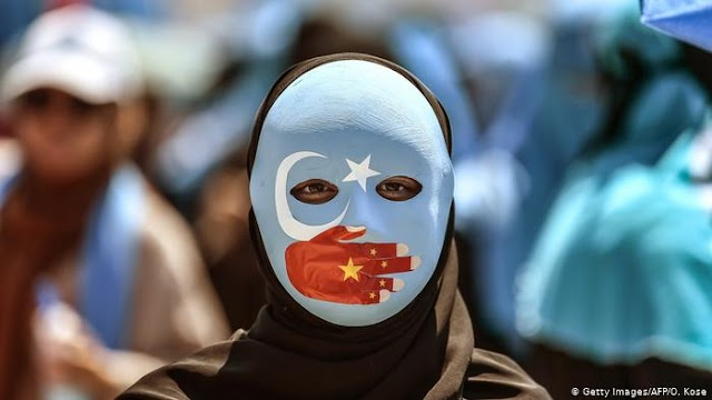 Genocide and human rights abuse by China against Uyghur people in Xinjiang province will block the treaty ruling trade between the UK and China.