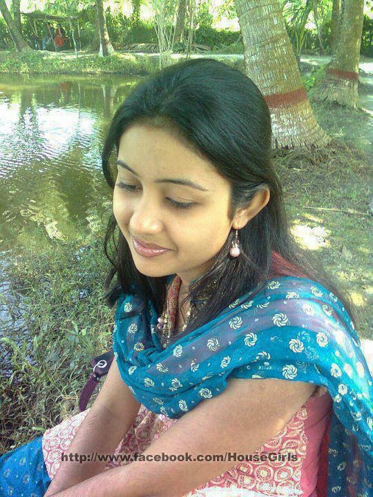 Tamil College Girl Facebook Photo