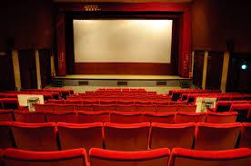 Hukum Menonton di Bioskop